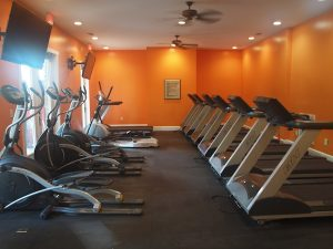 Woodlands of Knoxville workout room with treadmills and more